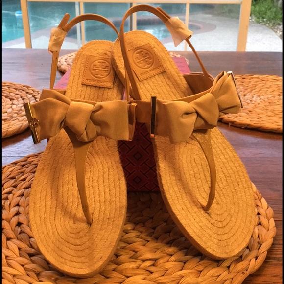 73cec4a115f23 NIB Tory Burch Penny Flat Thong Sandal